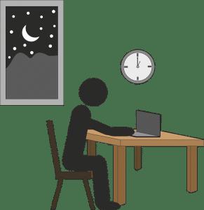 uomo al lavoro di notte